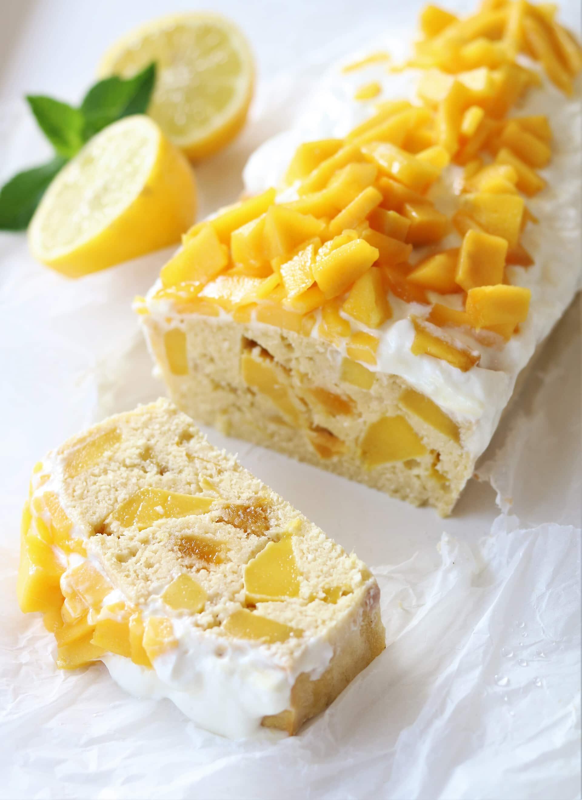 Tropische glutenvrije mango cake