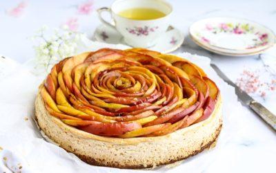 Glutenvrije cheesecake met kandijkoekbodem en appelroos